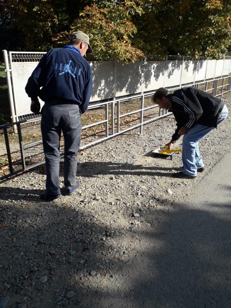 Проведены работы по установке и окрашиванию ограничивающих пешеходных ограждений